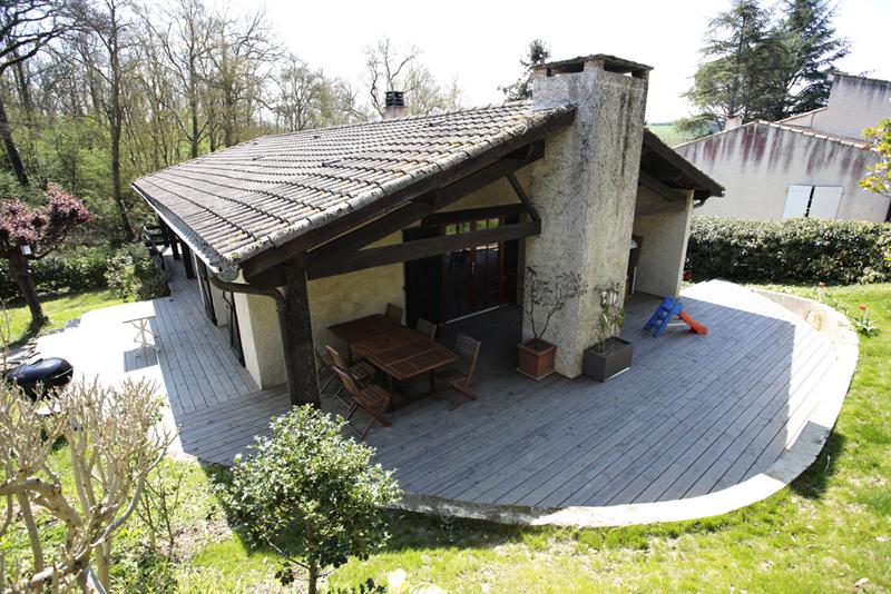 Terrasse en douglas traité gris profil déstructuré